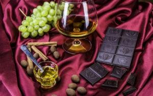 eda-napitki-shokolad-vinograd-konjak