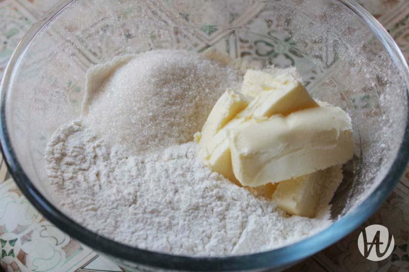 4-dobavlenie-sachara-i-masla