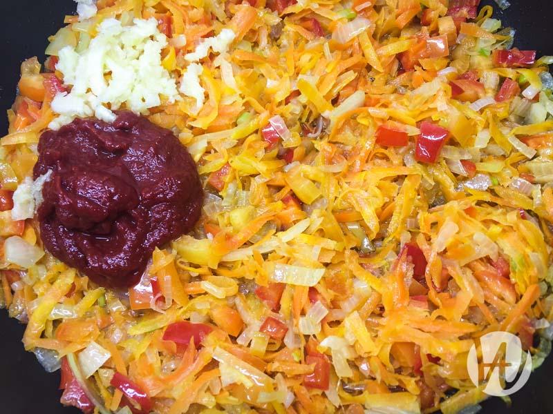 5-dobavlenie-tomatnoy-pasty
